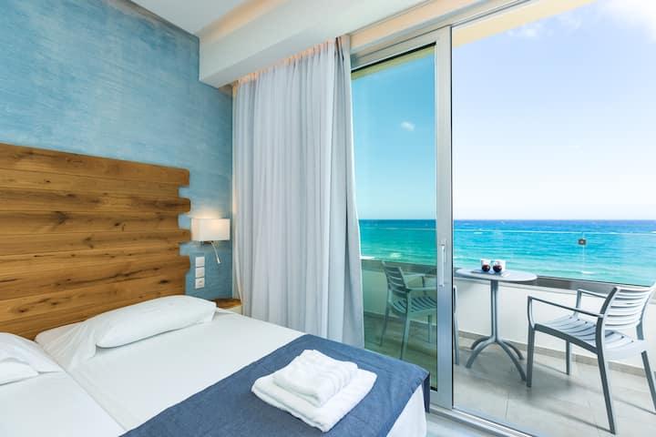 Top Floor Sea View Apartment | Beach Road