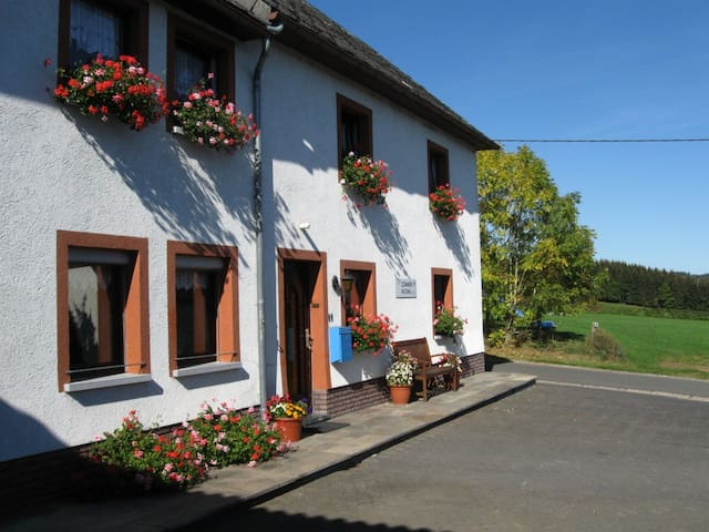 Cozy B&B in Belgian Ardennes/Eifel - Büllingen - Bed & Breakfast