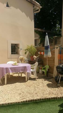 maison de village rénovée - Montélier