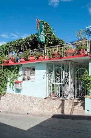 Hostal Casa Jardin