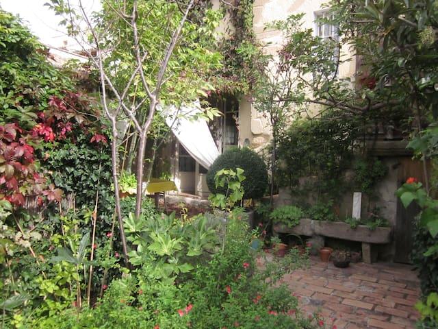 Haus im Dorf - Sérignan-du-Comtat - Haus