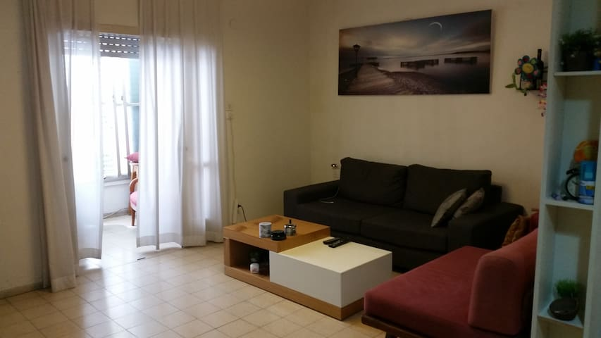 Spacious & Sunny - Great Location - Tel Aviv-Yafo - Apartamento