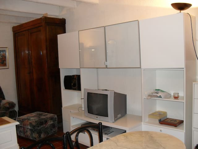 petit cabanon avec petite  terrasse - Marsella - Cabaña