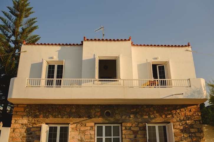 Kalloni Seaside House - Καλλονή - Hus