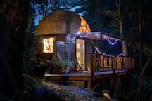 Enjoy the tiny lights on the deck under the awning at night. (Yinon Weiss' took this magical photo: see more at www.TriumphPhotography.com)