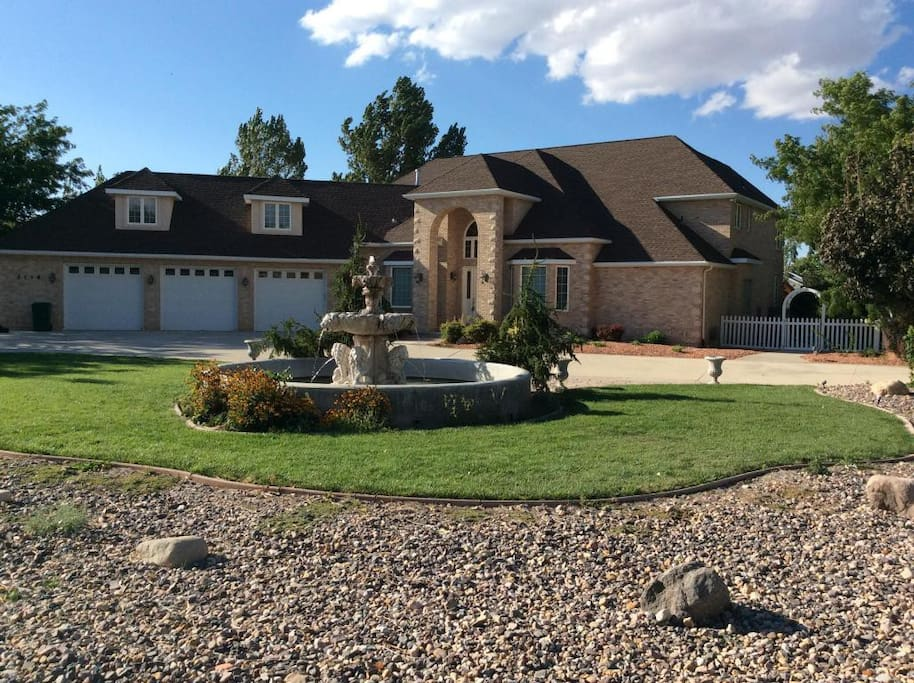 Exquisite home. 3 car garage. Front fountain.