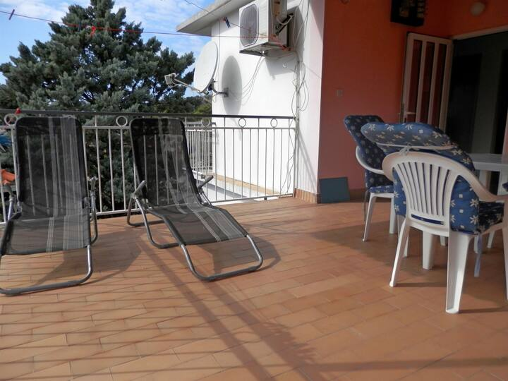 Two Bedroom Apartment, seaside in Rogoznica