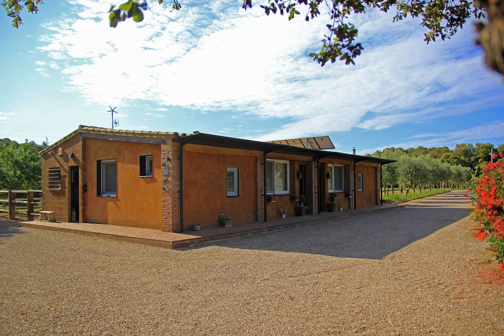 AMAZING country side house just 4 km away from COSTA BRAVA beach!