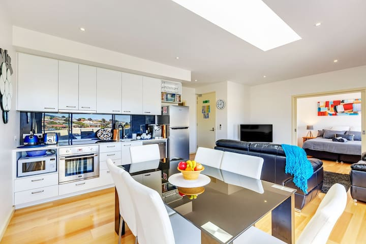 Beautiful fully self contained Apartment in Hobart - Bellerive - Apartment
