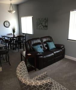 Experience the Lofts -Bowlus suite-Iola