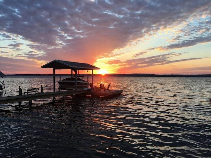 Wine Down Bungalow, Seneca Lake-Perfect  Escape!