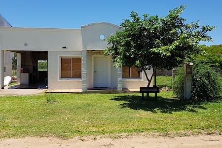 Casa Vacacional a 250 metros playa/ esteros a 45km