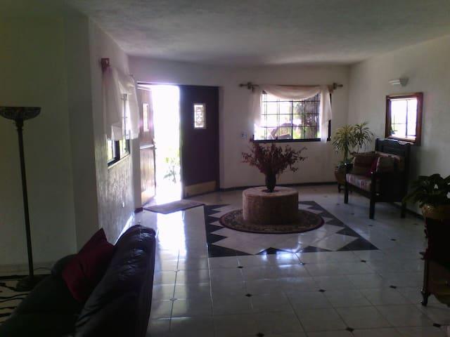 Private Mountain Cottage- Kenscoff, Haiti - Departement de l'Ouest - Apartment