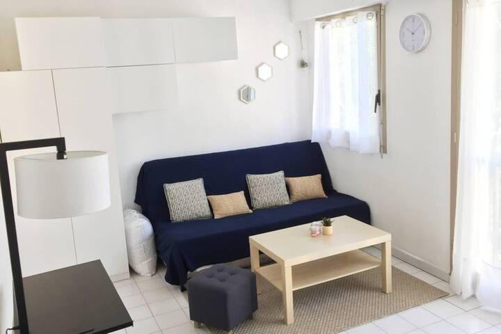 Cozy Studio, Sleeps 2 in Juan Les Pins