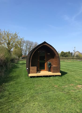 Glamping Pod in Tranquil Countryside inc heater