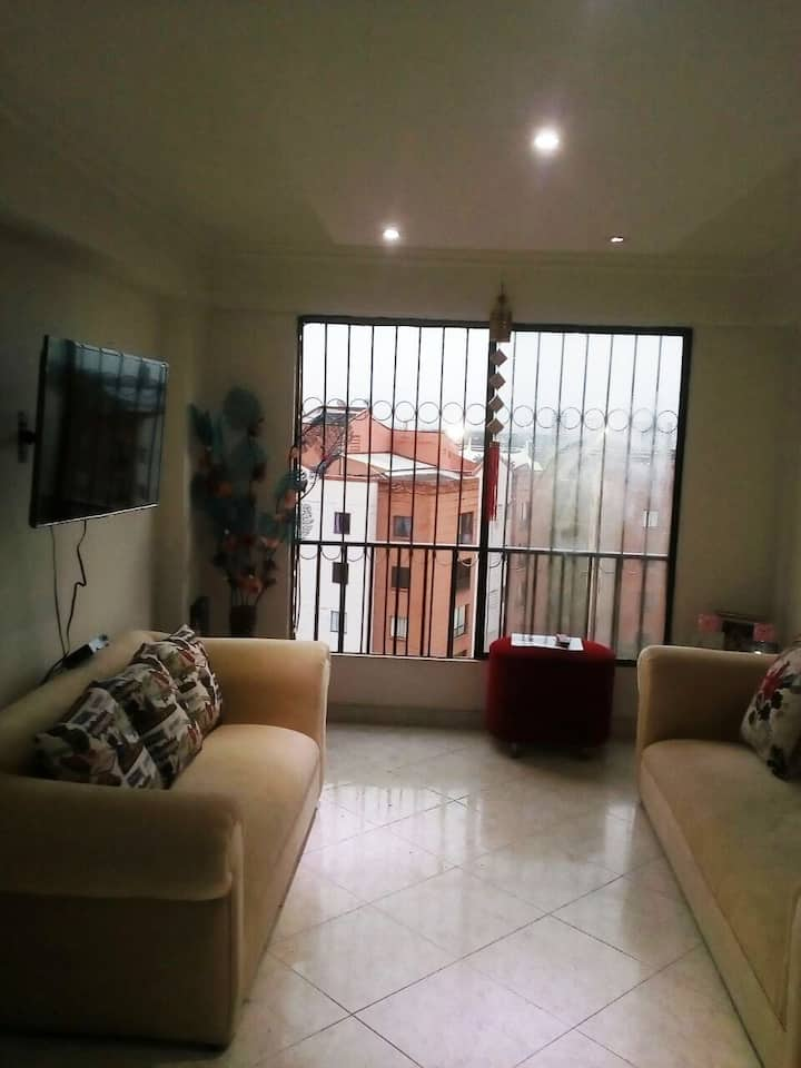 Private room apartment, easy access,Great location