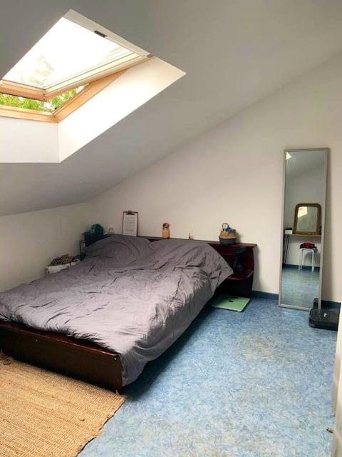Chambre disponible dans petite maison en campagne