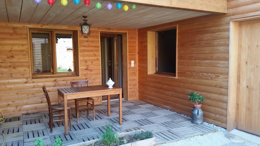 """appartement écologique en Ardèche """"le Môme"""" - Eclassan - Apartamento"""