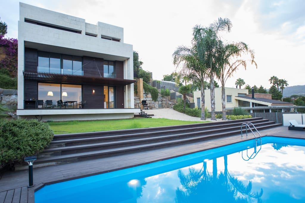 new sea view villa near barcelona maisons louer. Black Bedroom Furniture Sets. Home Design Ideas