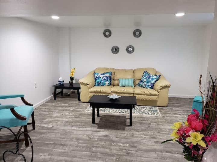 Mi Casa, Su Casa. Downstairs Apt./Residential area