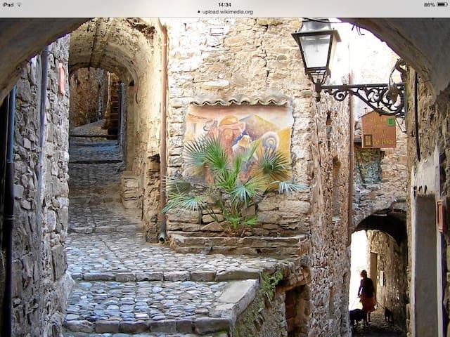 Casa in antico borgo ligure - Castelvittorio  - Byt