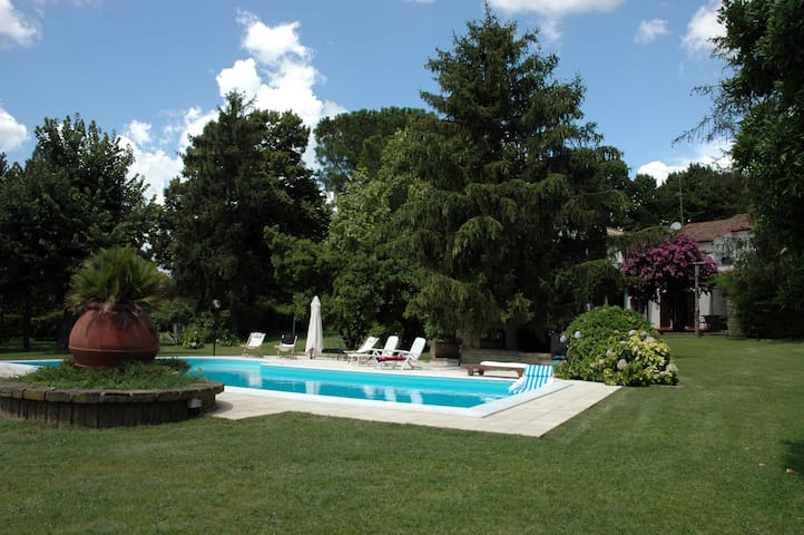 Lovely Villa 45km from Rome - Trevignano Romano - 別墅
