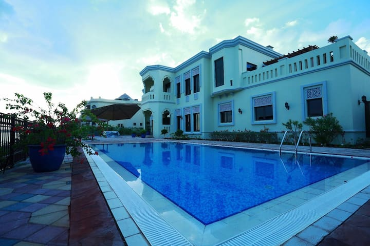 A super luxury villa with beach - Dubai - House