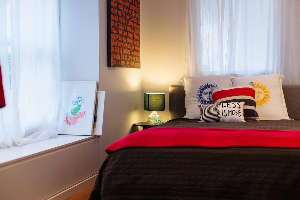 queen schlafzimmer einfamilienhaus mit pool h user zur miete in neutral bay new south wales. Black Bedroom Furniture Sets. Home Design Ideas