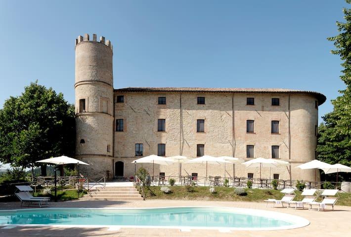 Castello Baccaresca Camera Tripla - Gubbio - Hrad