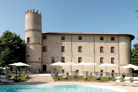 Castello Baccaresca Camera Tripla - Gubbio
