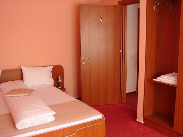 double room 1 - Rășinari - Bed & Breakfast