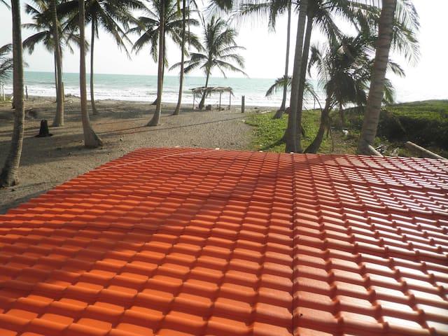 Cabaña frente al mar Pedernales Cojimies hospedaje