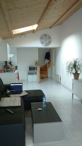 "Appartement 15"" la Rochelle - Croix-Chapeau - Huoneisto"