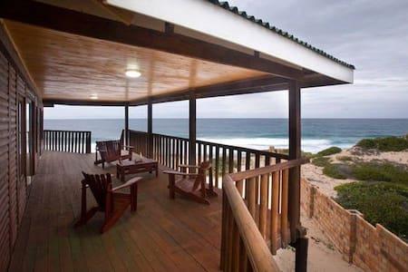Private home on Tofo Beach - Tofo Beach