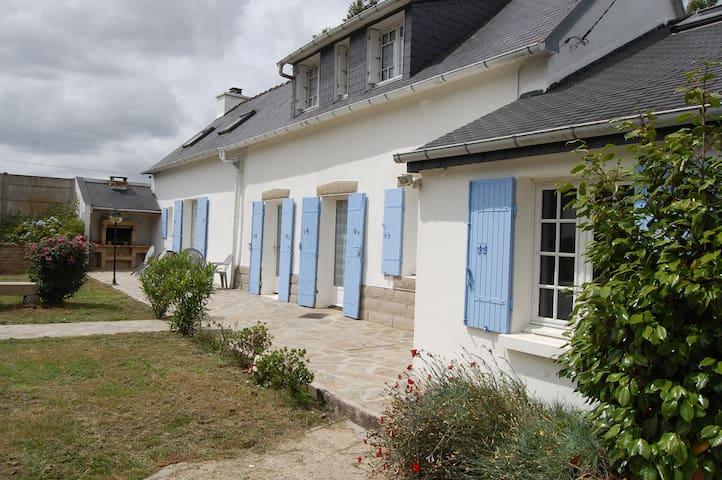 maison bretonne - Châteauneuf-du-Faou - Casa