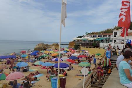 Casa praia T2 Beach House - Olhos de Água - オルホス・デ・アグア