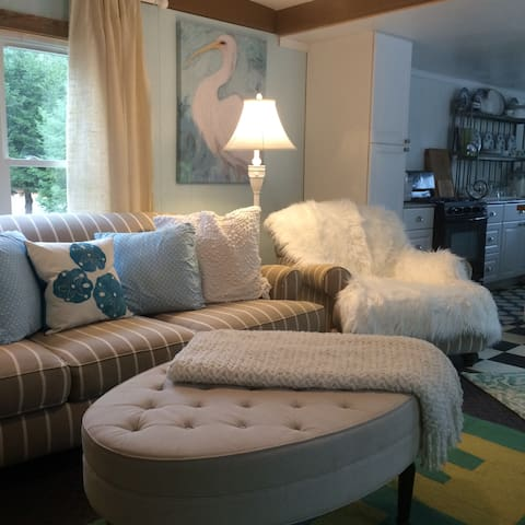 A Dream trailer House cottage( No cleaning fees)