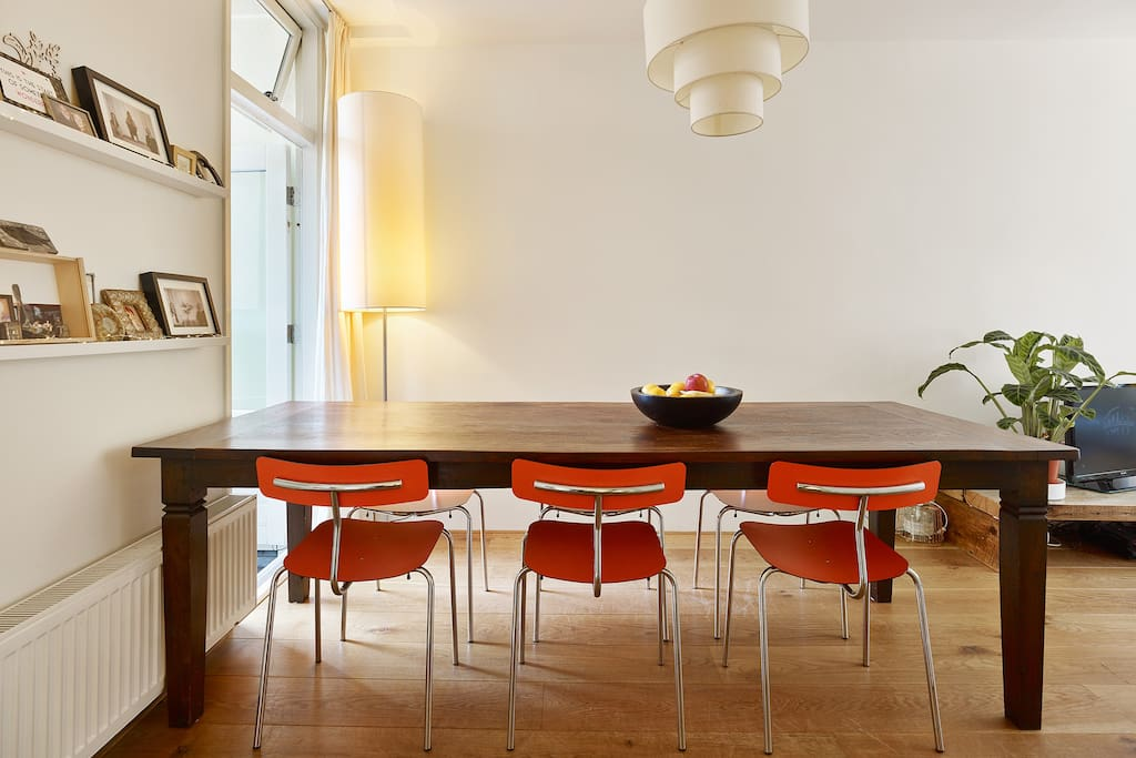 Dining table with room for 6 people.