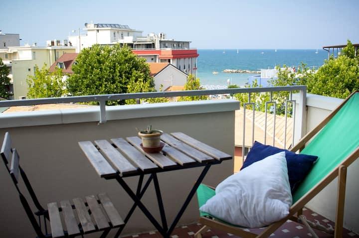 Appartamento moderno con vista mare