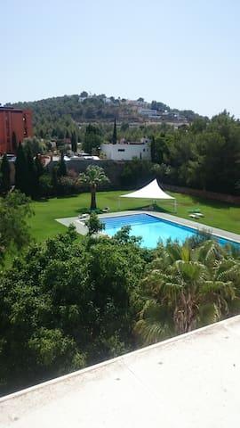 Habitación con aseo(2p)15m Ibiza,disco y calas - Santa Eulària des Riu - Appartamento