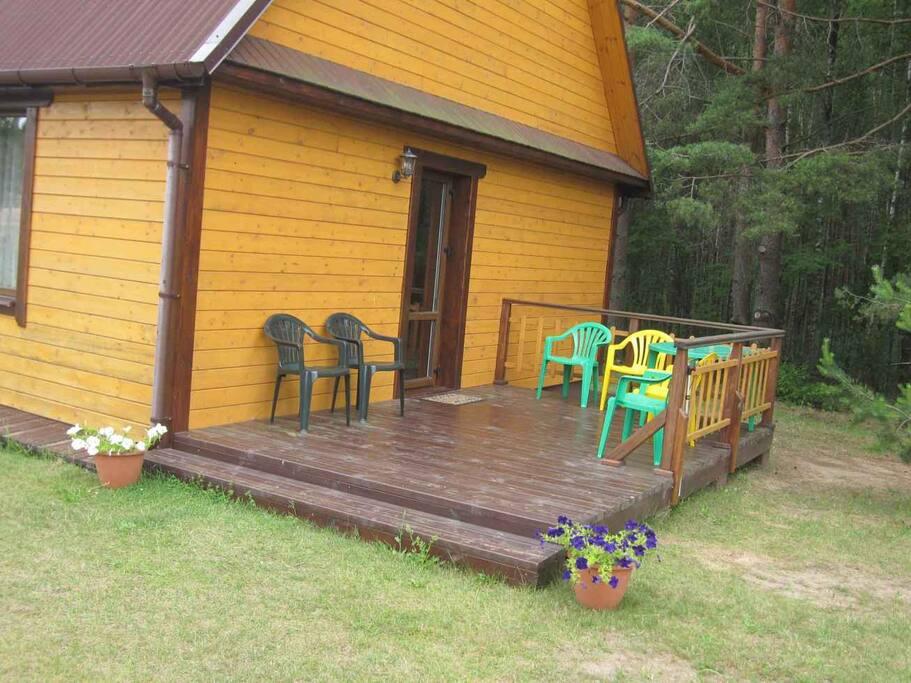 Вход в дом с террасы