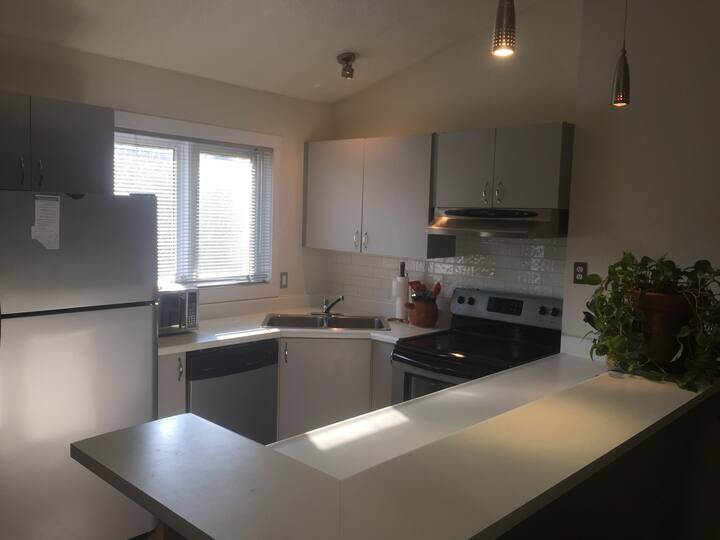 Secluded Two bedroom condo in Collingwood
