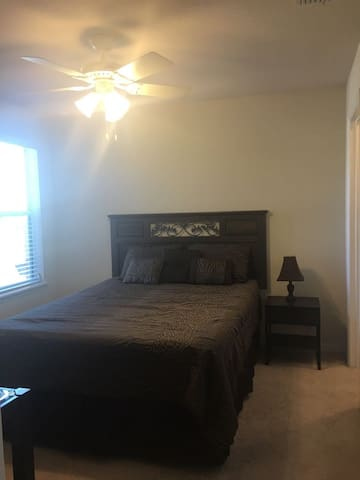 Habitacion cerca al aeropuerto / bedroom near MCO