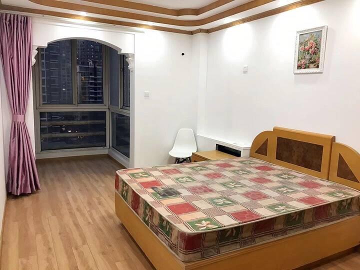 国贸  双井  CBD商业中心  观景大卧室   带落地窗阳台  月租更优惠