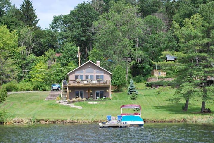 Lake House for All Seasons - Saratoga Springs
