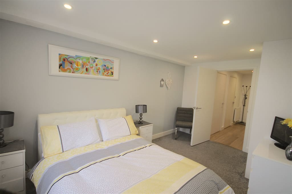 Double bedroom with TV/DVD