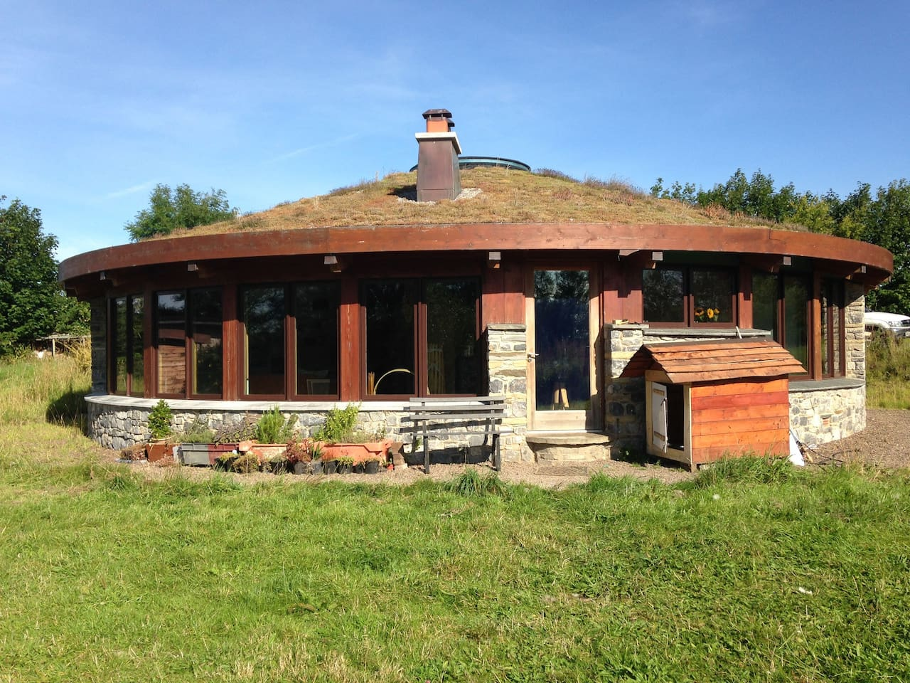 Earth roof on the round house