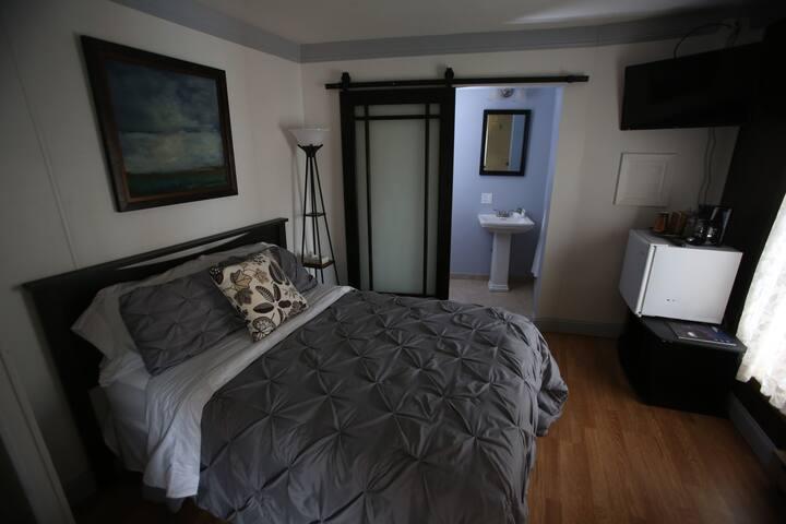 Double bed, bedroom