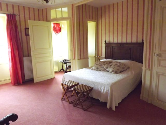 "Suite ""Coquillages"" au château - Commequiers - Bed & Breakfast"