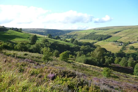 Beautiful room with stunning views - Luddenden